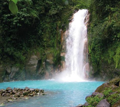Río _Celeste_Waterfall